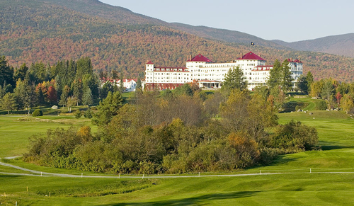 In July 1944, 730 delegates from 44 Allied nations gathered at the Mount Washington Hotel in Bretton Woods, New Hampshire, to create a framework for the postwar international monetary and financial order. (© stock.adobe.com)