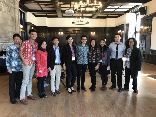 Guest speaker, Livi Zheng with YIF conference organizers. From left to right: Indriyo Sukmono (Senior Lector, CSEAS), Brurce Mecca (MESc '19), Prisna Putri (FLTA Indonesian), Agasha Ratam (YC '21), Mesquita Prasetyo (SOM '19), Gregory Jany (YC '21), Livi Zheng (Producer/Director), Dinny Aletheiani (Lector, CSEAS), Nicolas Wicaksono (YC '19), Taufan Hatibie (YC).