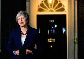 Prime Minister Theresa May announcing British cabinet's collective decision to accept UK-EU withdrawal agreement.